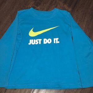 Boys Nike long sleeve tee